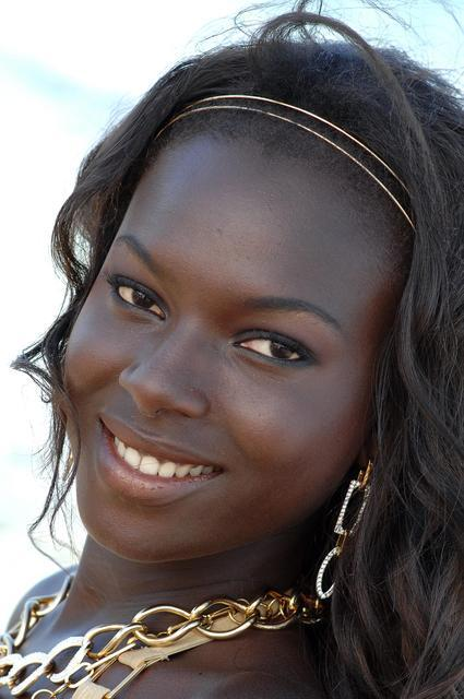 keeling black girls personals Soulsinglescom is a leading black singles site with chat and plenty of other features the site has a large pool of black singles, african singles and jamaican singles it is free to register and to send mail to hot black girls and cute black men soulsinglescom,soulsinglescom.