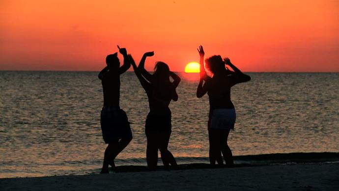 Women Want Nice/Good Guys, Not Pushovers! Men and Women Create False Friendships.