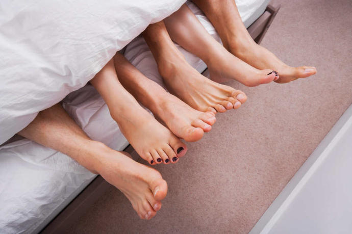 Group Sex: 7 Rules For Having Your Best Threesome