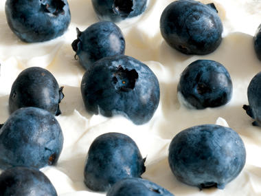 11 Healthy Snacks for Adults (Recipes Included)