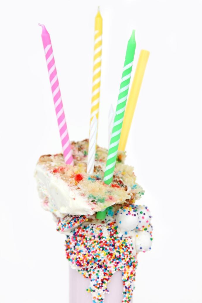 Fun, Fabulous, Wonderfully Colorful Milkshakes for Your Summer Enjoyment 🍨🍦🍭🍬🍫🍰🎂🍪🍩