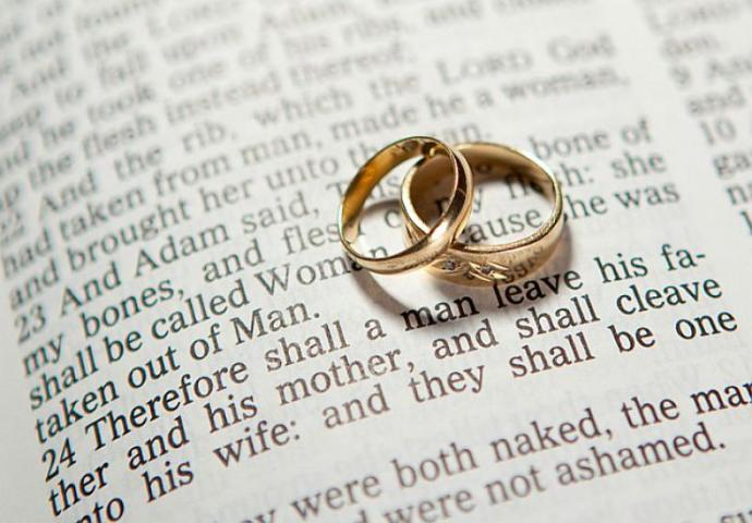 Biblically Speaking, Men Are Supposed to Serve Their Wives
