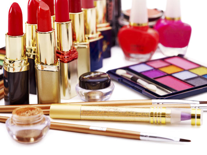 Makeup for Beginners: 10 Essential Products