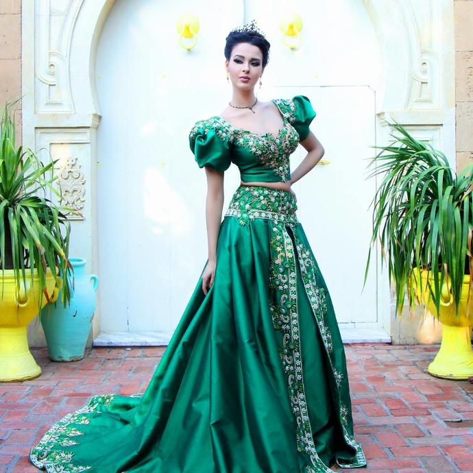 Traditional Beautiful Dresses From Around the World- Maghreb Edition.
