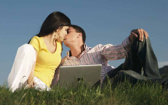 How to Get a Girlfriend: Attractive, Decent, Or Even Unattractive