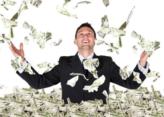 7 Reasons Why Rich Guys Are So Awesome