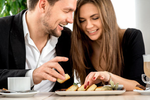 One Big Reason Why Guys Don't Want to Pay on a First Date