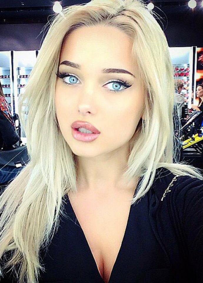 Hot Instagram Blondes Who Had Lip Augmentation