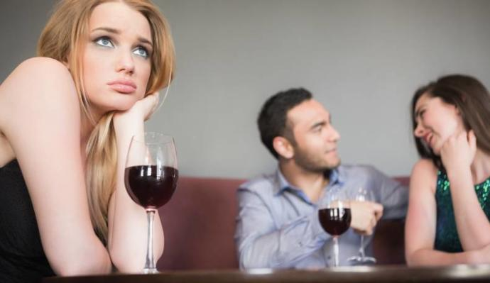 3 Signs He Doesn't Care About You