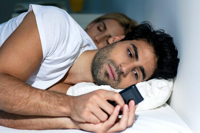 3 Signs He Will Surely Cheat Again!