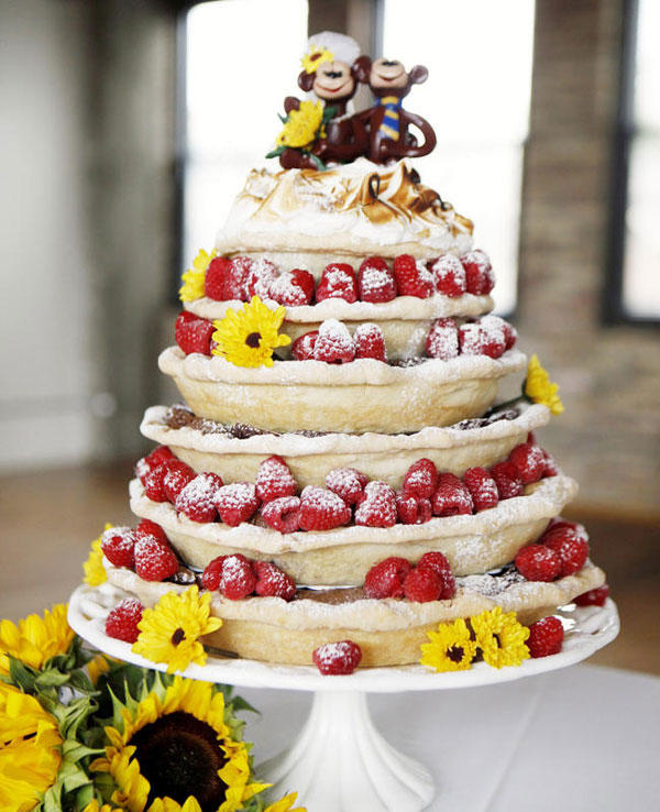 """18 Wedding """"Cakes"""" for the Couples Who Don't Care for Tradition"""