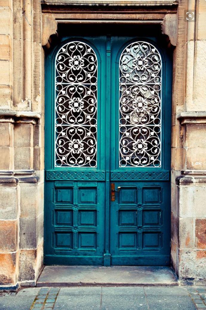 Eighteen Gorgeous Doors