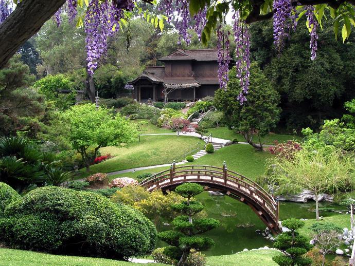 12 Amazing Eye-Candy Gardens