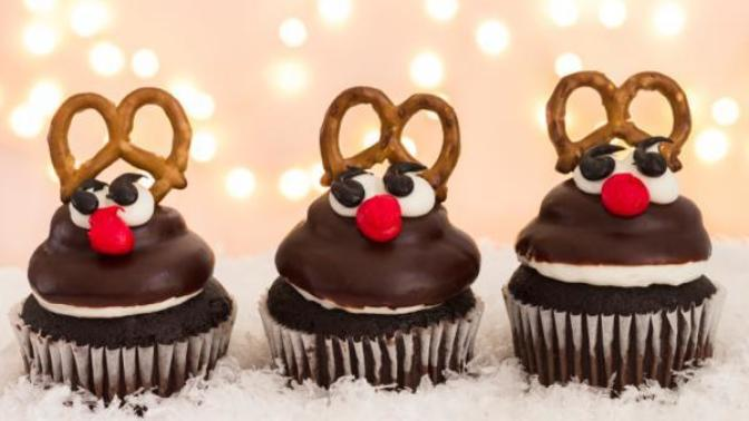 5 Creative Christmas desserts, that'd make your Christmas dinner this year.. EXTRA Jolly :P