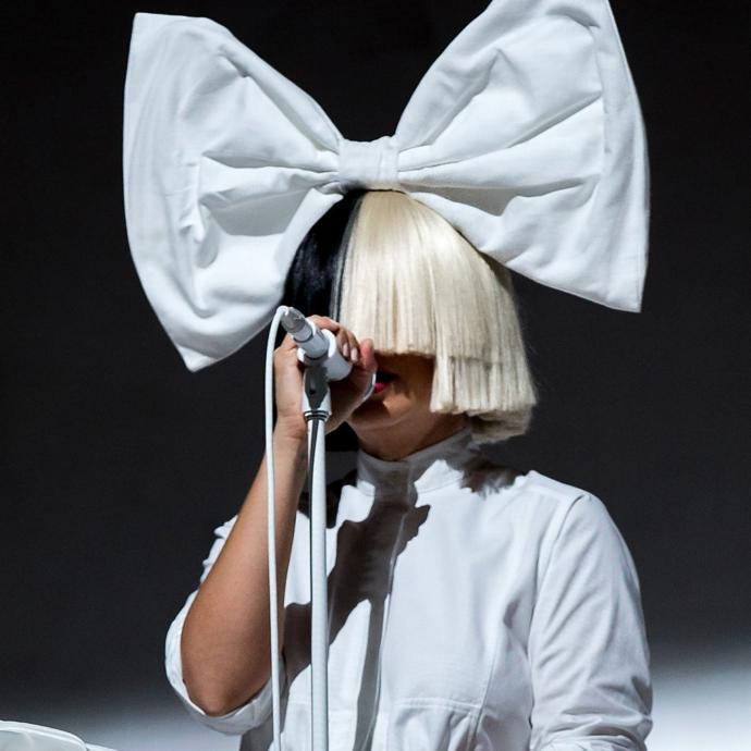 4 Reasons Why Sia Is The Most Talented Singer of Today