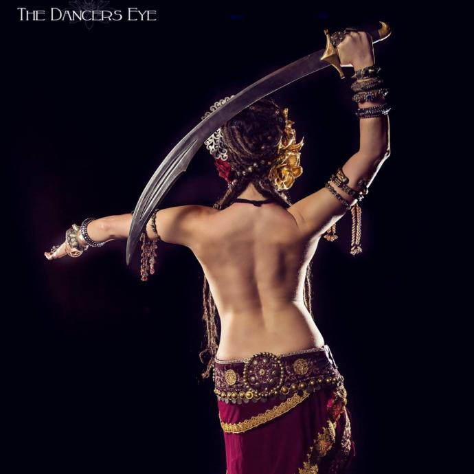 belly dance dance of the countryside Gothic belly dance was born in the us urban centers as a blend of goth and world music, the movement vocabulary of belly dance and other dance forms, and gothic fashion and aesthetics.