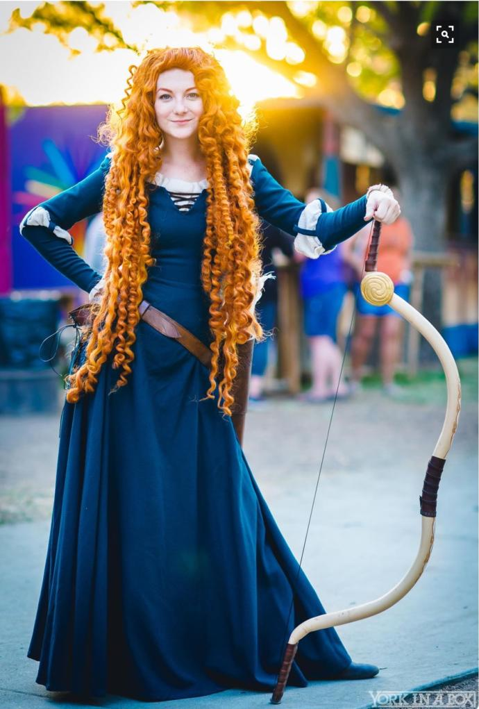 20 Amazing Cosplays from Women in Disney