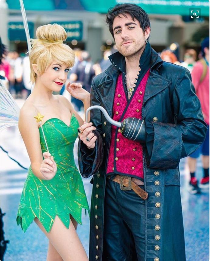 13 Awesome Cosplays of Men in Disney