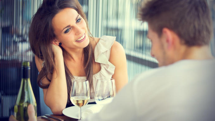 5 Topics to Talk about on the First Date.