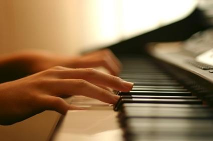 5 Benefits of Learning to Play a Musical Instrument