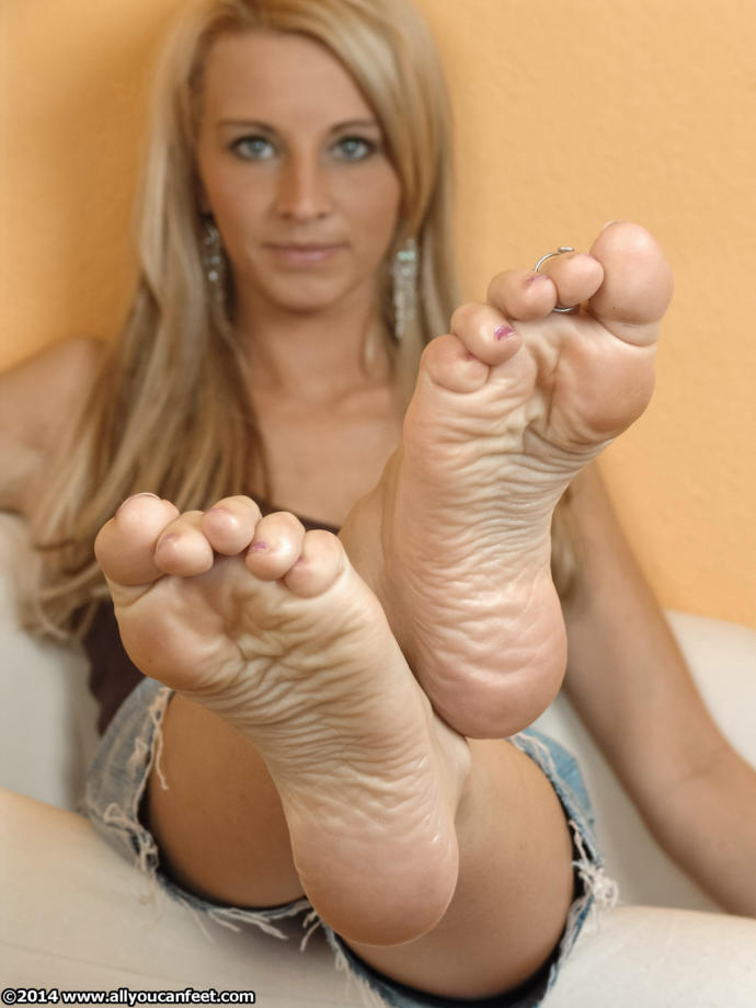 Confessions of a Man Who Likes Women's Feet: Everything You Ever Wanted to Know About Foot Fetishism