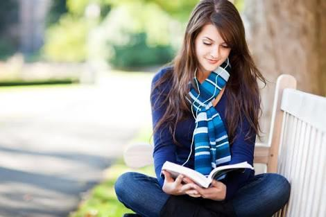 Why dating a girl who reads is a beautiful experience.