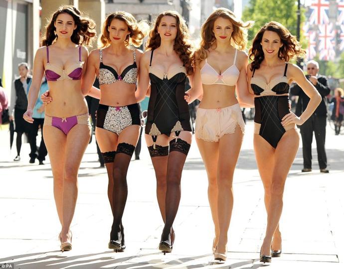 Women's Fashions: 1950's vs. Now