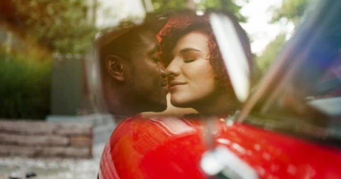 Most Popular Dating Trends of 2017
