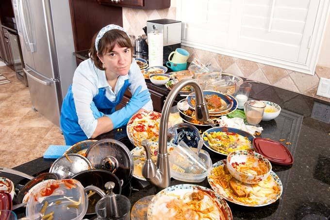 How To Host Thanksgiving Dinner Like a Boss!