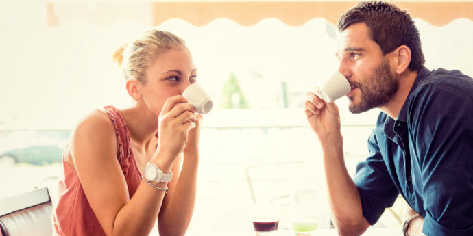 Why Guys Should Pay For First Date