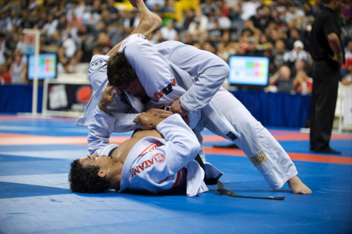 The benefits of practicing sports that focus on grappling