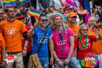 γκέι dating γκαζιαμπάντ Συμβουλές για online φωτογραφίες προφίλ γνωριμιών