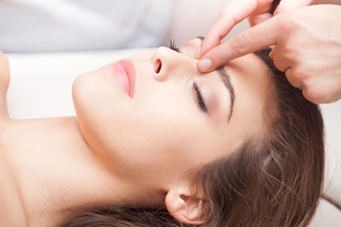 Brow and facial compression can help relieve sinus pressure.