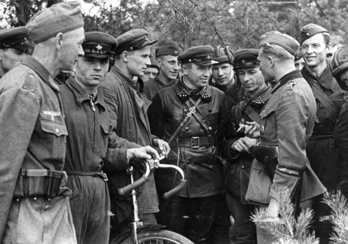 German and Soviet troops during Joint German-Soviet parade in Brest-Litovsk
