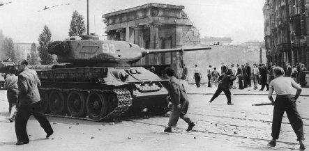 East Germans attacking Soviet tanks with rocks, if only the East Germans had panzerschreks