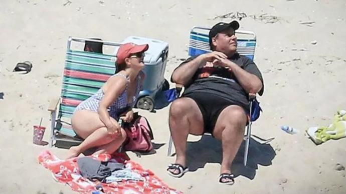 The Turd buckets other appendage. AKA Chris Christie