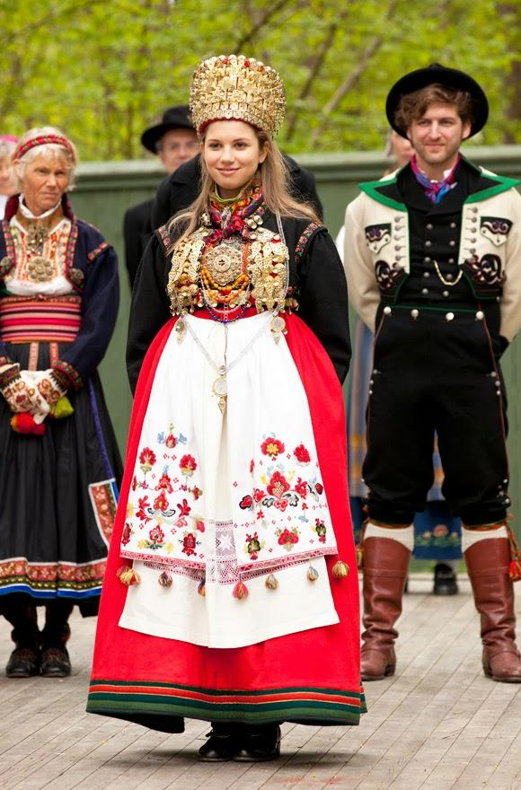 Twenty Wedding Dresses From Around The World