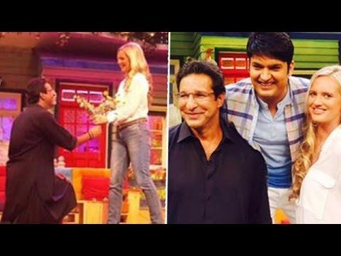 Pakistani cricketer Waseem Akhtar in an Indian show with Kapil Sharma