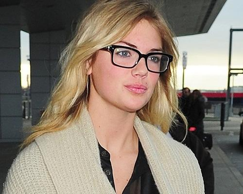 Kate Upton is GORGEOUS looking!