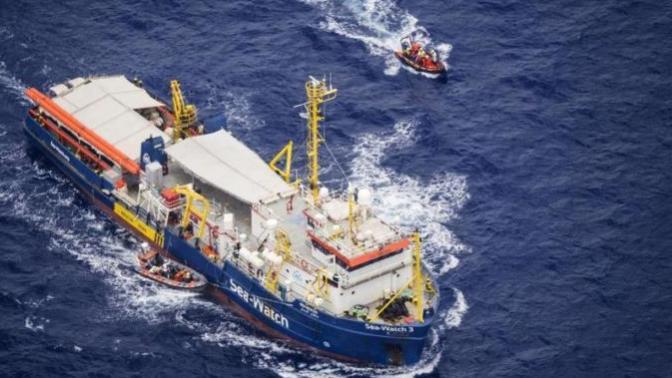 Sea Watch - Italians are hating Carola Rackete