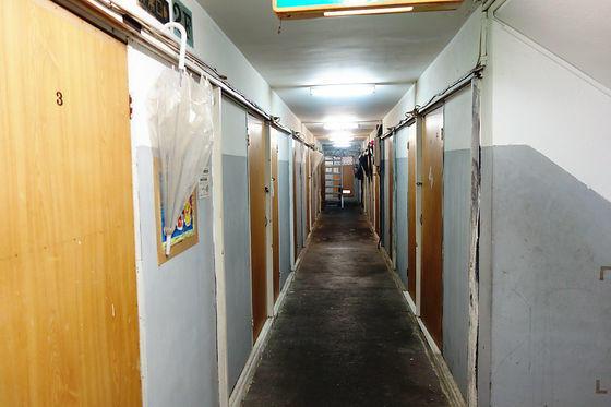 The hallway inside a doya-gai. Creepy?
