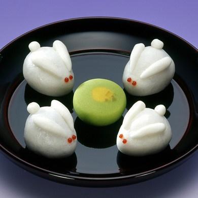 Rabbit Tsukimi Dango – too cute to be eaten?