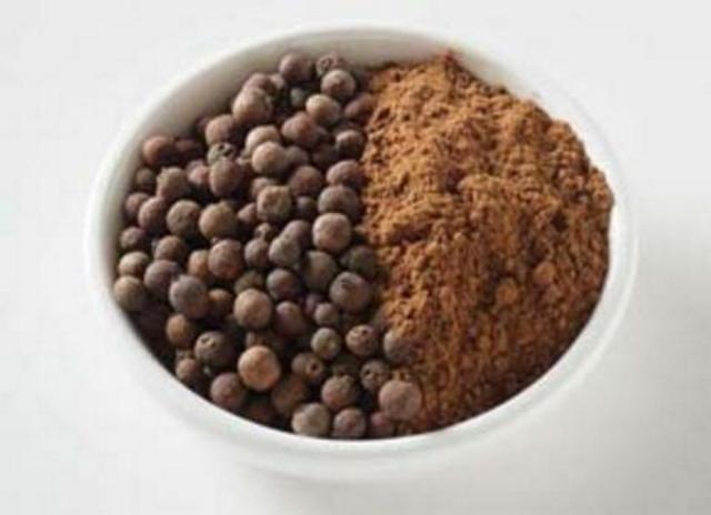 Allspice - whole berries and ground.