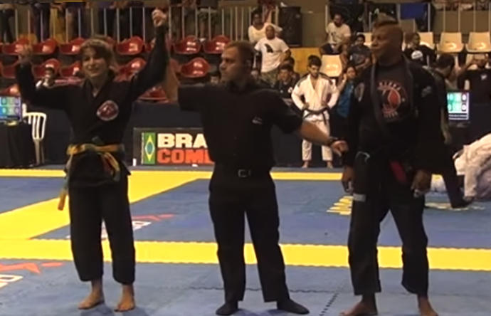 Karla Swanson victorious over the taller and burlier Karla Albuquerque in BJJ
