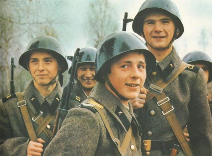 Soviet soldiers of the Cold War