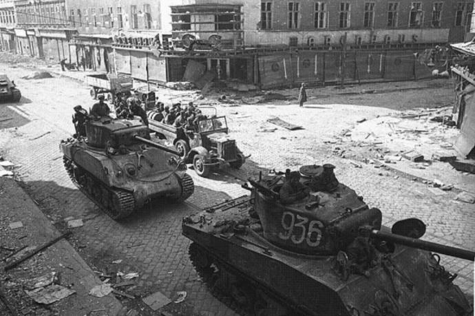 American Sherman tanks in Soviet Service