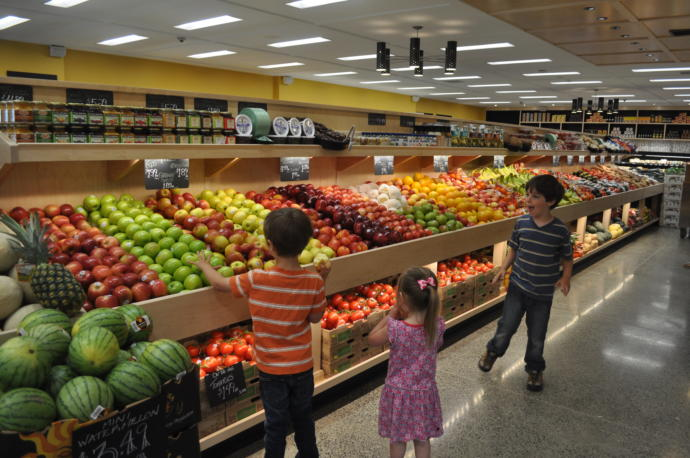 Fresh produce at the supermarket/grocery store