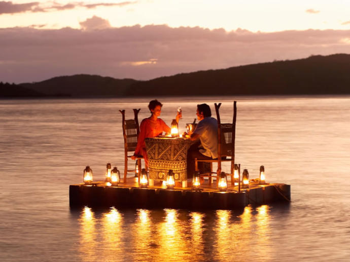 Do you need to light that spark again in you love life? Why not a affable yet romantic weekend?