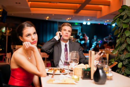 10 Ways to Ruin a First Date