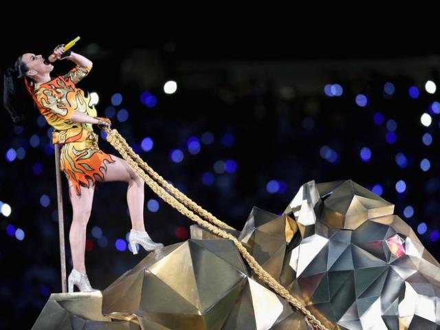 Katy Perry Roars & Soars At 2015 Super Bowl XLIX Halftime Show